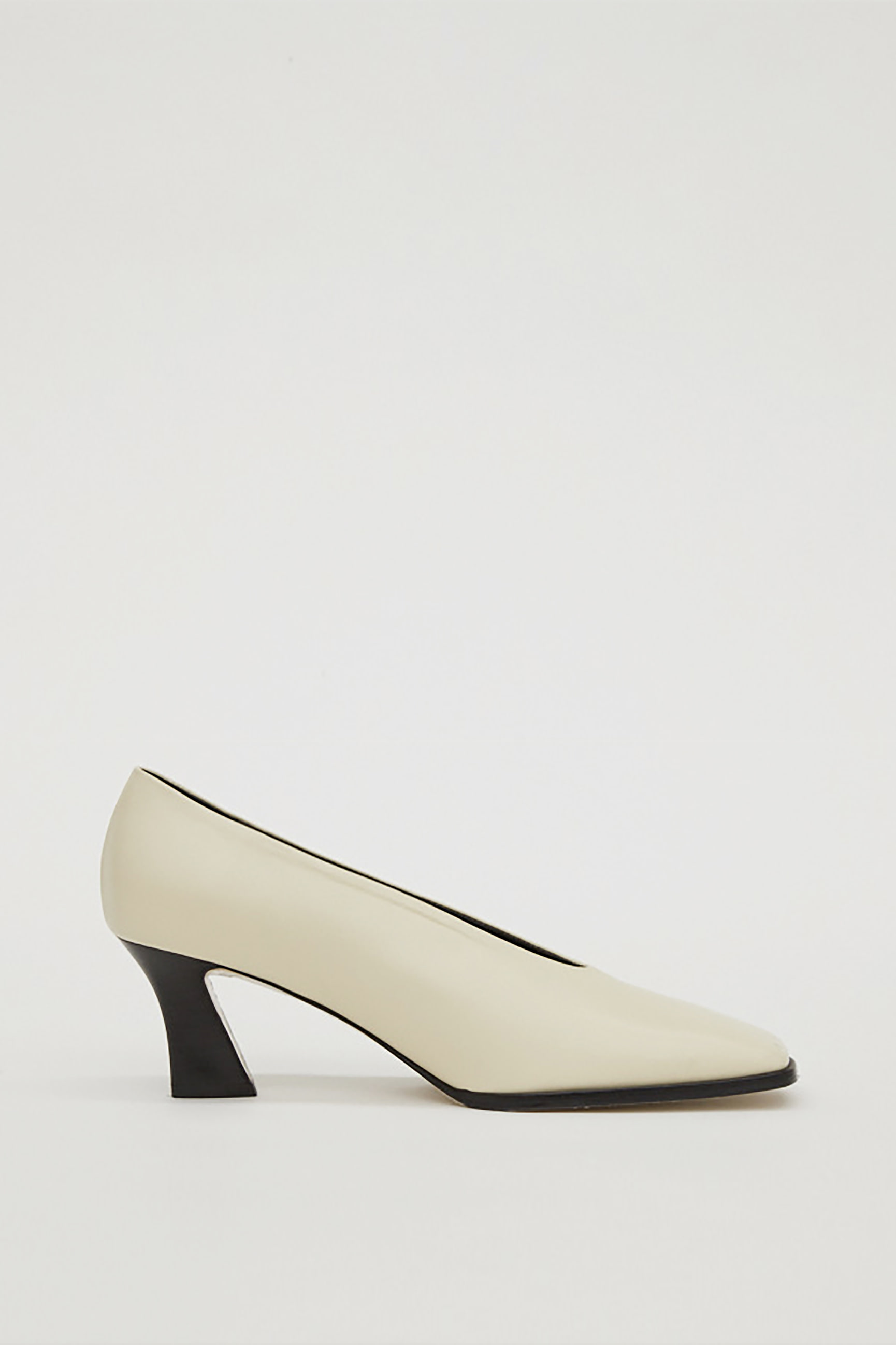 SQUARE LEATHER PUMPS_CREAM