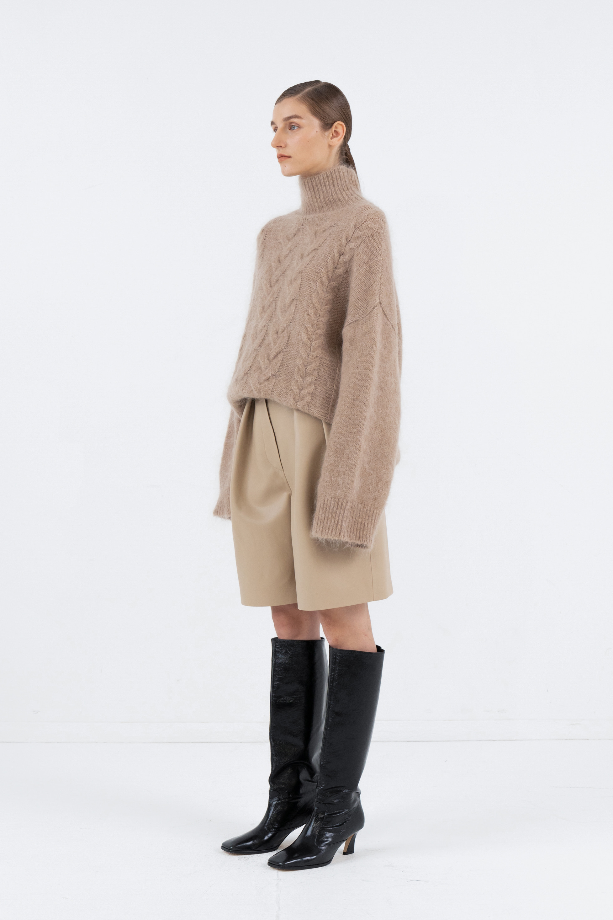 MOHAIR TWIST TURTLENECK_BEIGE