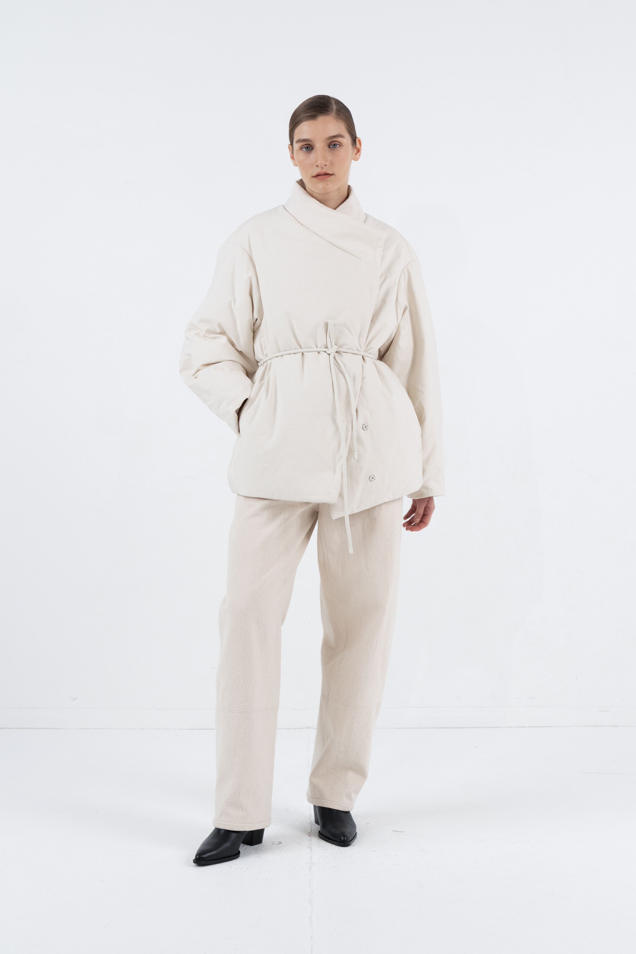 UNBALANCE STIRNG SHORT PADDING JACKET_CREAM