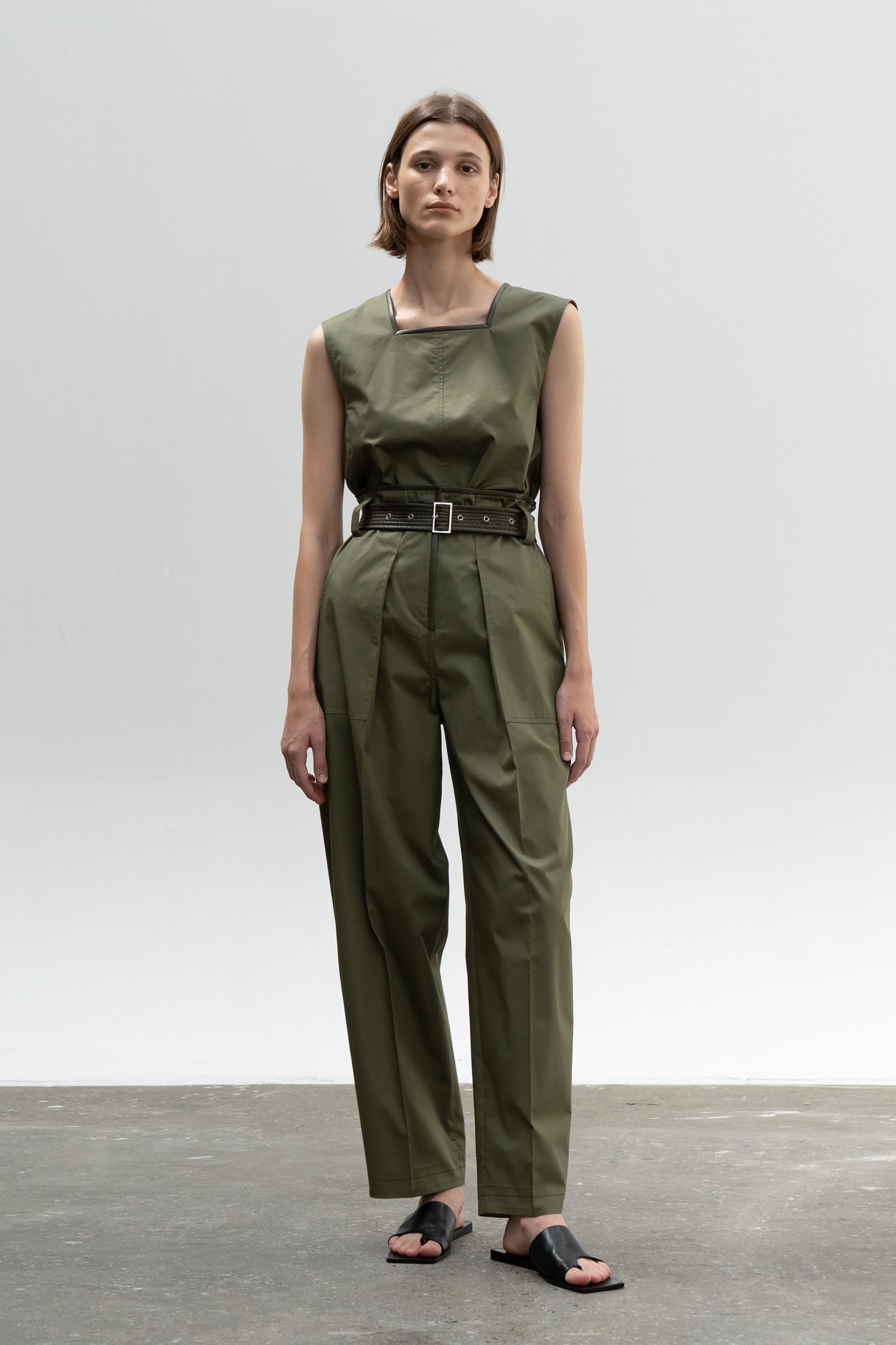 LEATHER COMBI VOLUME POCKET PANTS_KHAKI