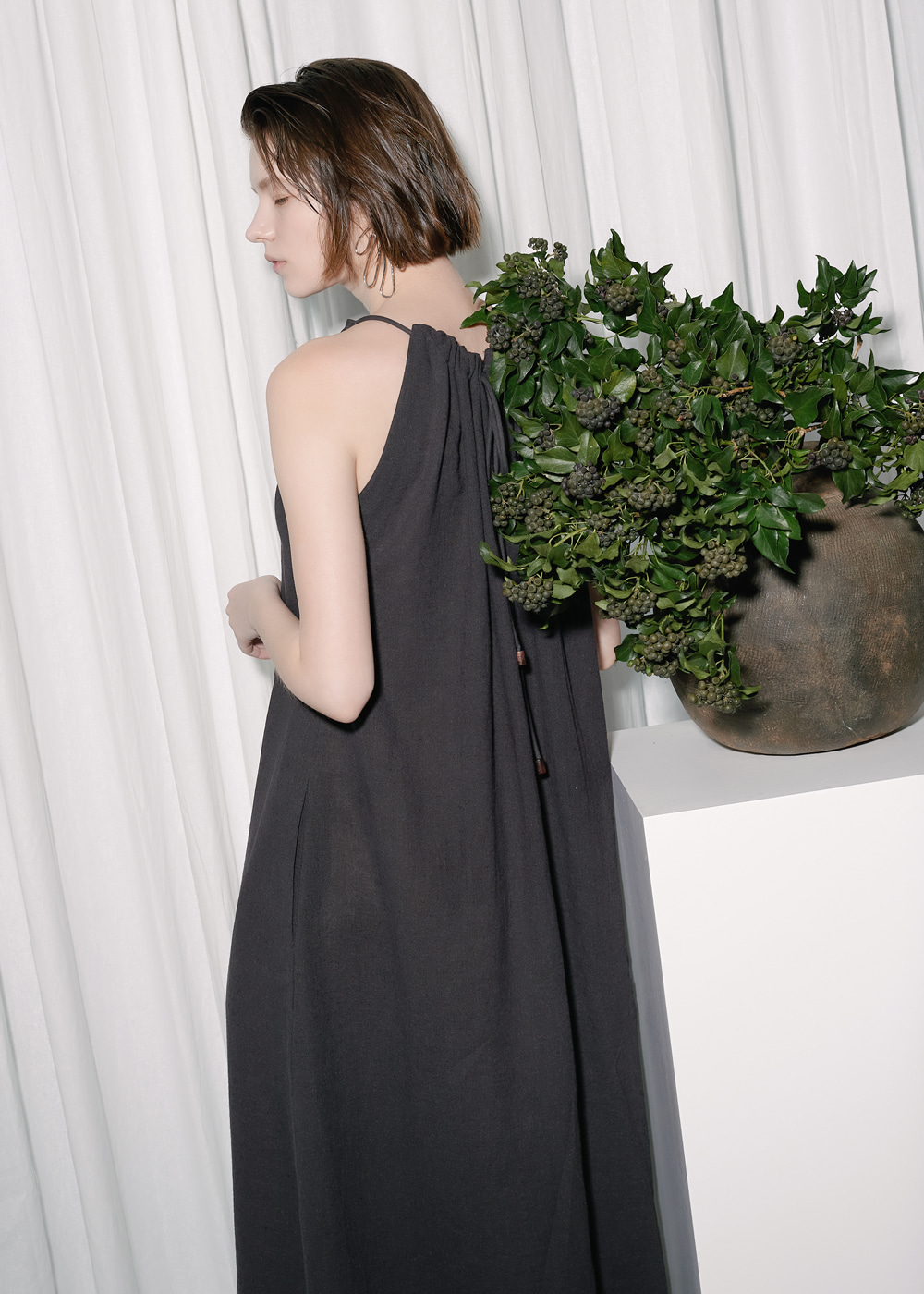 STRING HALTERNECK DRESS CHARCOAL