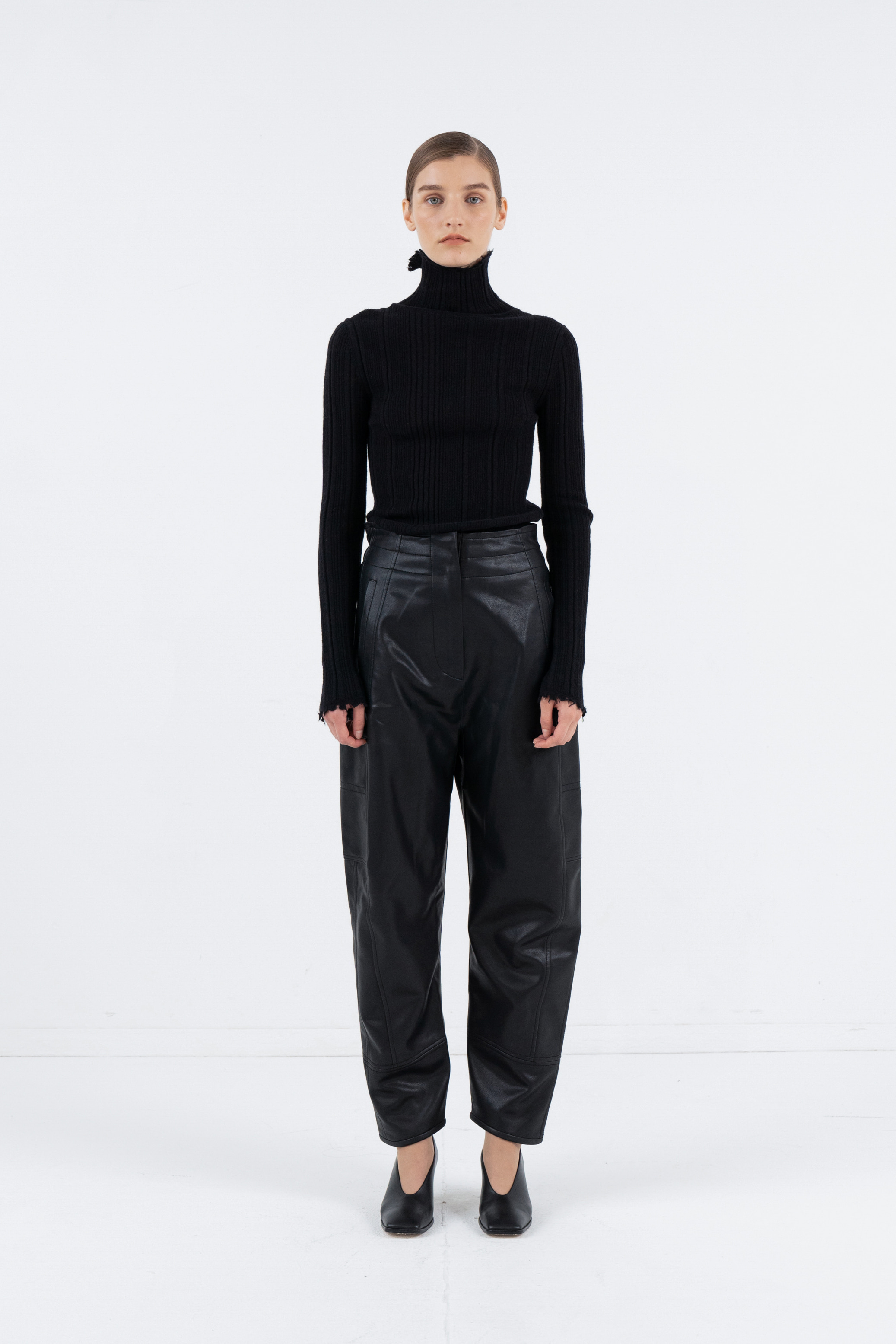 FAUX LEATHER BANDING JOGGER PANTS_BLACK