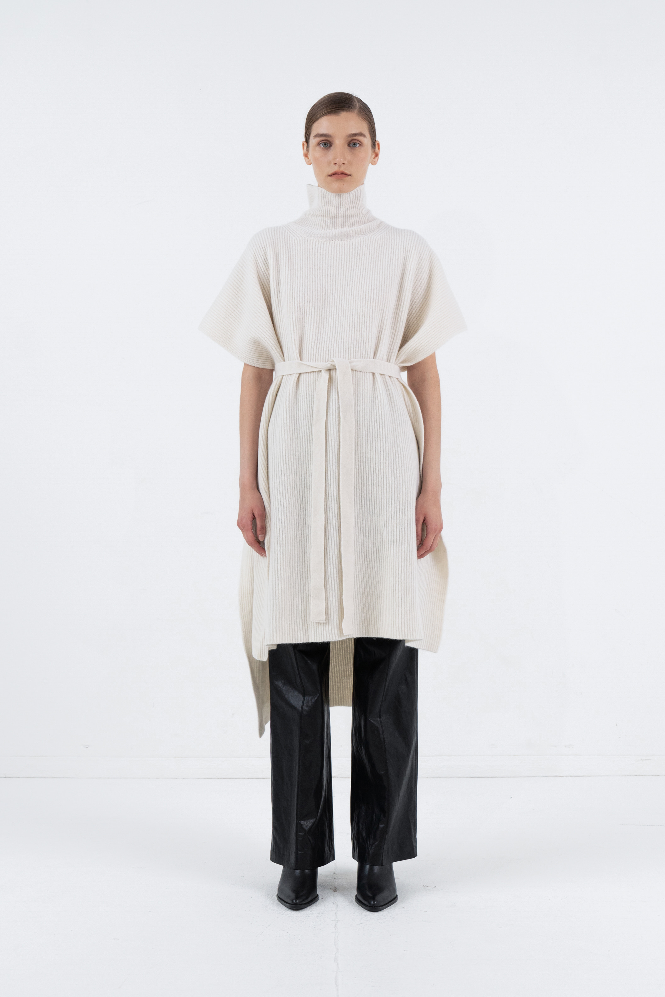 CASHMERE TURTLENECK CAPE_IVORY