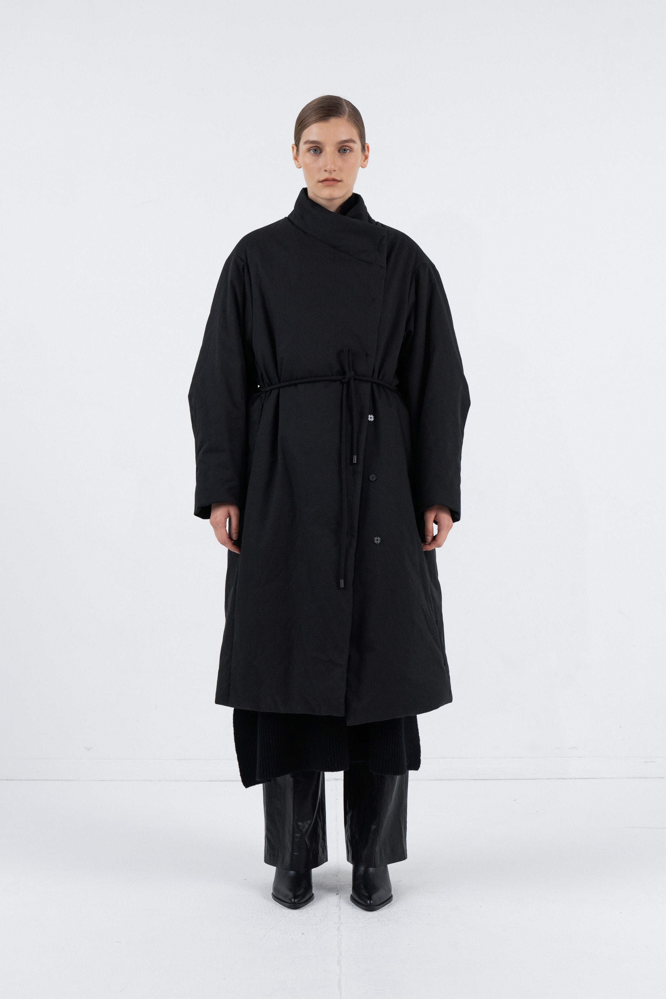 UNBALANCE STIRNG LONG PADDING COAT_BLACK